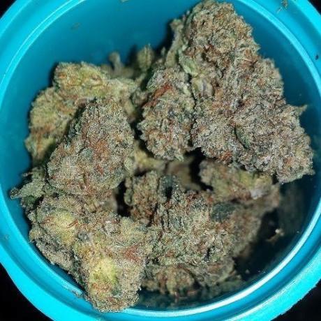 high-grade-medical-marijuana-cartdreges-wax-shatters-and-edibles-big-0