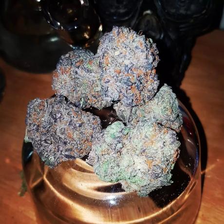 shop-edible-gummies-and-cannabis-big-0