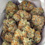 top-quality-marijuana-cartridges-and-shatter-small-2